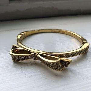 Kate Spade bow gold tone bracelet super cute!!